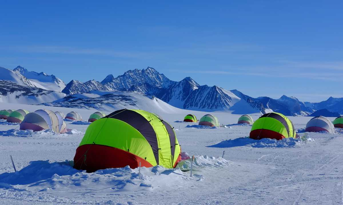 ALE_5_RTD(mustcredit)_south-pole-union-glacier-camping