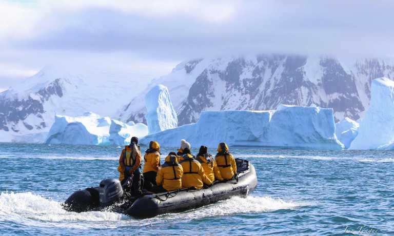 Fly & Cruise Polar Circle
